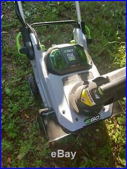 EGo Lithium Ion 56 Volt Single Stage Cordless Electric Snow Blower 21 Inch. NEW