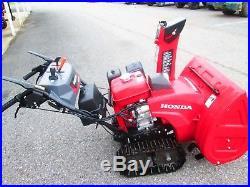Honda HSS928AATD track drive snowblower electric start 28wide joystik used once