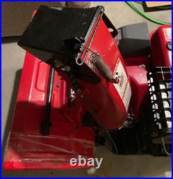 Honda HSS928ATD (28) 270cc Two-Stage Track Drive Snow Blower 17.9 Use Hours