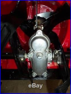 Honda Hydrostatic Tracked Snowblower Model HS 928 TAS